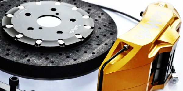 碳陶复合材料料铸成制动新利器
